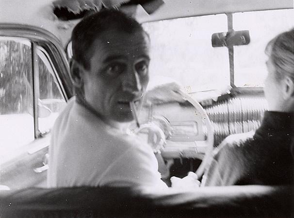 Neal Cassady, amigo de los beats, e inspiración para el personaje Dean Moriarty de On the Road de Kerouac. La foto la sacó el poeta Allen Ginsberg.